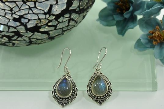 lab-earrings-sivalya